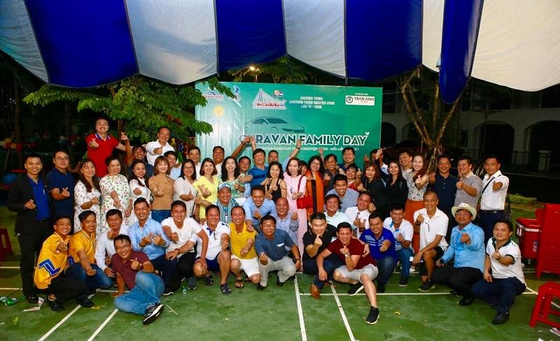Các Doanh nhân CLB 2030  giao lưu tại Long Phú Villa sau chuyến thiện nguyện  lần thứ 14